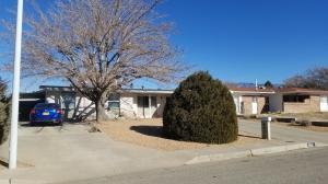 6021 AZURE Avenue NE, Albuquerque, NM 87109