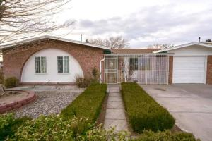 1201 WILLYS KNIGHT Drive NE, Albuquerque, NM 87112