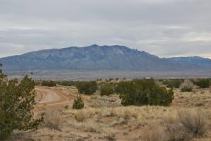 5916 Count (U20B146L3) Drive NE, Rio Rancho, NM 87144