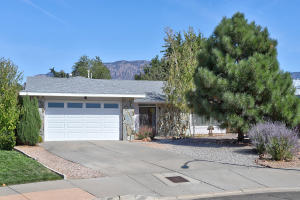5420 HINES Drive NE, Albuquerque, NM 87111