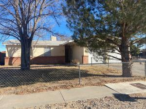 320 CLAIRE Lane SW, Albuquerque, NM 87121