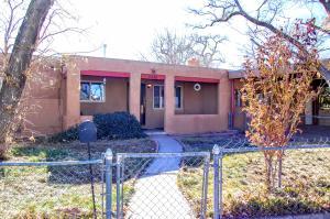 1336 ARVILLA Avenue NW, Albuquerque, NM 87107