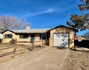 316 MANKIN Street NE, Albuquerque, NM 87123
