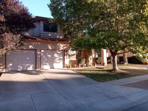 10316 DUNBAR Street NW, Albuquerque, NM 87114