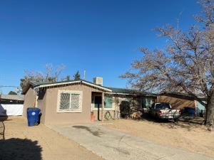 5933 CARLOS REY Circle SW, Albuquerque, NM 87121
