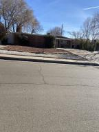 1136 GLORIETA Street NE, Albuquerque, NM 87112