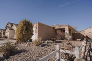 10727 CORONA RANCH Road SW, Albuquerque, NM 87121