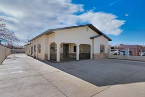 918 AZTEC Road NW, Albuquerque, NM 87107