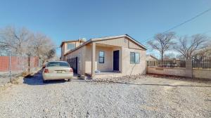 2526 TAPIA Boulevard SW, Albuquerque, NM 87105