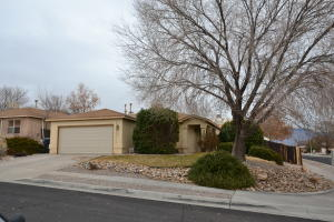 8200 Rancho Lucido NW, Albuquerque, NM 87121
