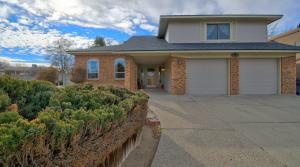 8716 CHERRY HILLS Road NE, Albuquerque, NM 87111