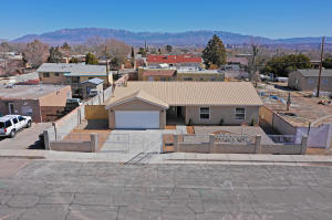 314 58TH Street NW, Albuquerque, NM 87105
