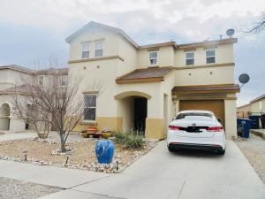 10764 GENTRY Lane SW, Albuquerque, NM 87121