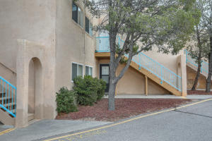 4717 COUNTRY CLUB Lane NW, A9, Albuquerque, NM 87114