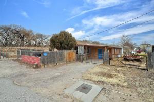 728 ARENAL Road SW, Albuquerque, NM 87105