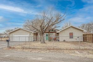 2400 CLOVER Lane SW, Albuquerque, NM 87105