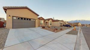 4026 Mountain Trail NE, Rio Rancho, NM 87144