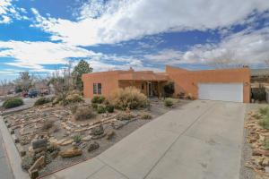 209 COLORADO MOUNTAIN Road NE, Rio Rancho, NM 87124