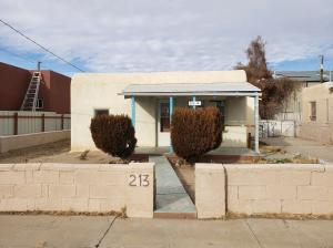 213 CLAREMONT Avenue NW, Albuquerque, NM 87107