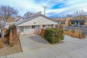 401 HAZELDINE Avenue SW, B, Albuquerque, NM 87102