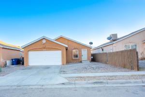8900 ODIN Road SW, Albuquerque, NM 87121