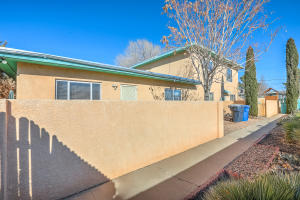 1004 MADEIRA Drive SE, Albuquerque, NM 87110