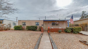 4914 HEADINGLY Avenue NE, Albuquerque, NM 87110