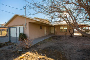 730 LUNA Road SW, Albuquerque, NM 87105