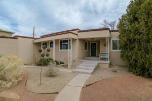 1506 VISTA LARGA Court NE, Albuquerque, NM 87106
