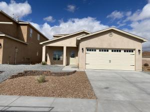 2486 Desert Sky Street, Los Lunas, NM 87031