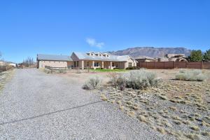 10701 SAN RAFAEL Avenue NE, Albuquerque, NM 87122