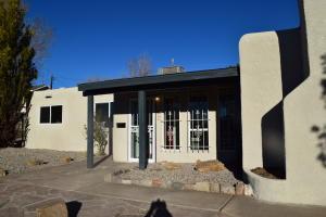 1516 June Street NE, Albuquerque, NM 87112