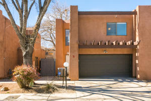 717 CANDELARIA Road NW, S, Albuquerque, NM 87107