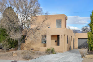 624 MONROE Street SE, Albuquerque, NM 87108