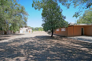 7324 4TH Street NW, Los Ranchos, NM 87107