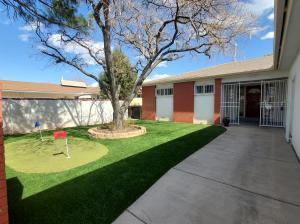 1612 California Street NE, Albuquerque, NM 87110