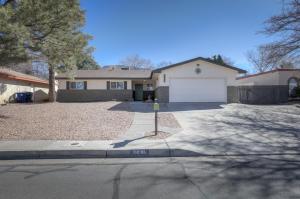 2436 ALGODONES Street NE, Albuquerque, NM 87112