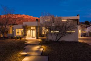 8812 GYPSY Drive NE, Albuquerque, NM 87122