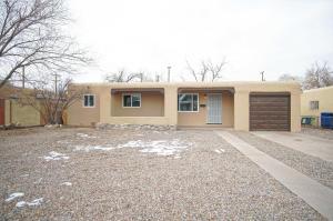 733 ARIZONA Street SE, Albuquerque, NM 87108