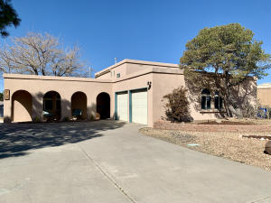 2109 MARIE PARK Drive NE, Albuquerque, NM 87112
