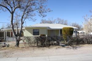 1317 RINCONADO Lane SW, Albuquerque, NM 87105