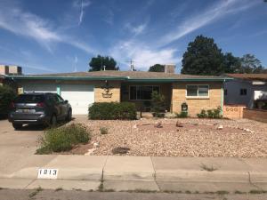 1013 CHAMA Street NE, Albuquerque, NM 87110