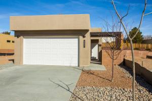 3269 Oakmount Drive SE, Rio Rancho, NM 87124