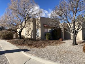 10301 Pintura Place NW, Albuquerque, NM 87114