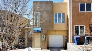 405 RIDGE Circle NE, B, Albuquerque, NM 87106