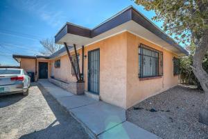 3518 CREST Avenue SE, Albuquerque, NM 87106