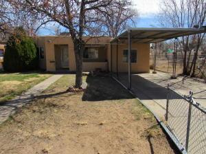 5310 8TH Court NW, Albuquerque, NM 87107