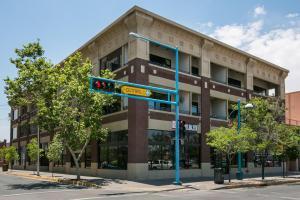 600 CENTRAL Avenue SW, 2B, Albuquerque, NM 87102