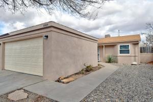 1029 HARRISON Drive NE, Rio Rancho, NM 87144