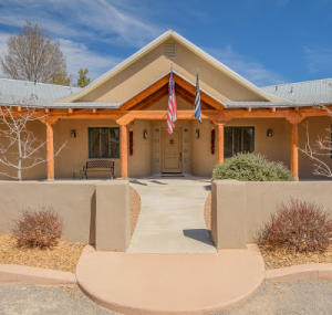 513 ROEHL Road NW, Los Ranchos, NM 87107